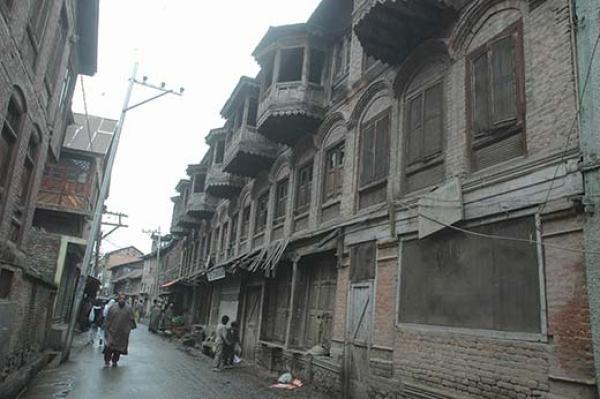 A scene of Srinagar's Habba Kadal. Pic: Bilal Bahadur
