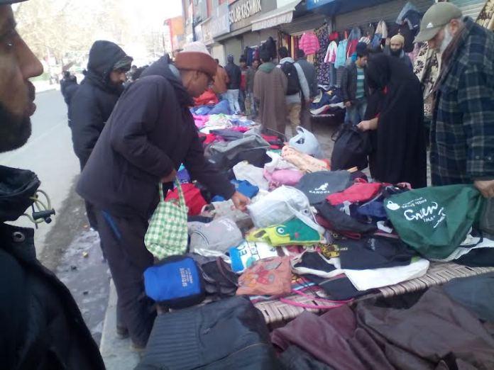 Sunday Market in Srinagar