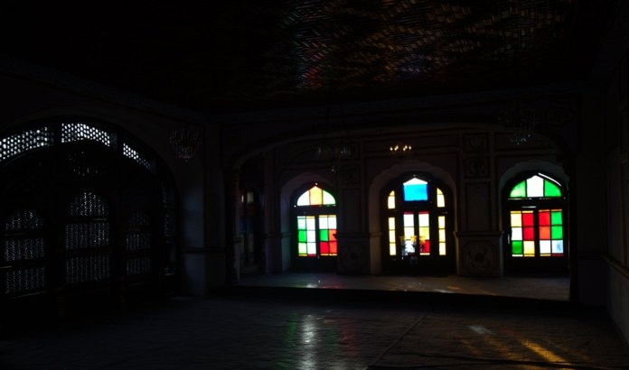 The house is divided in two parts; western side consists of big halls—Deewan Khana's— parallel to each other, then used to thrown parties and eastern side with private rooms meant to host the guests.