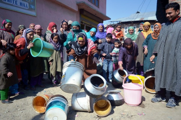 People protesting over non-availability of drinking water in this KL file Image.