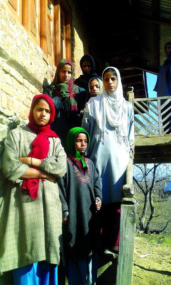 Children of Ghulam Jeelani Khatana, one of the missing trio.