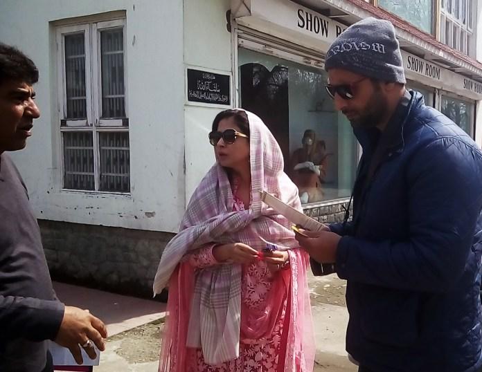 Film Actress Urmila Matondkar in Srinagar with her Husband Mohsin. (KL Image by: BY BILAL BAHADUR)