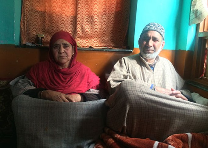 Mohammad Maqbool Bhat and his wife, parents of Manzoor Ahmad Bhat