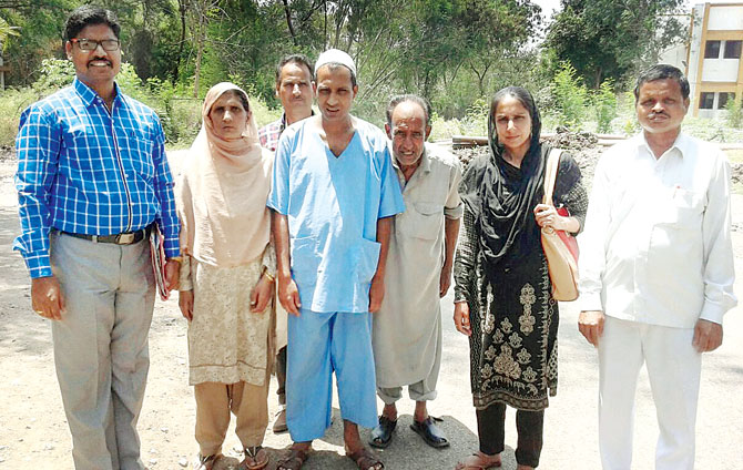 Adil Rashid with his Family in Pune in April 2016