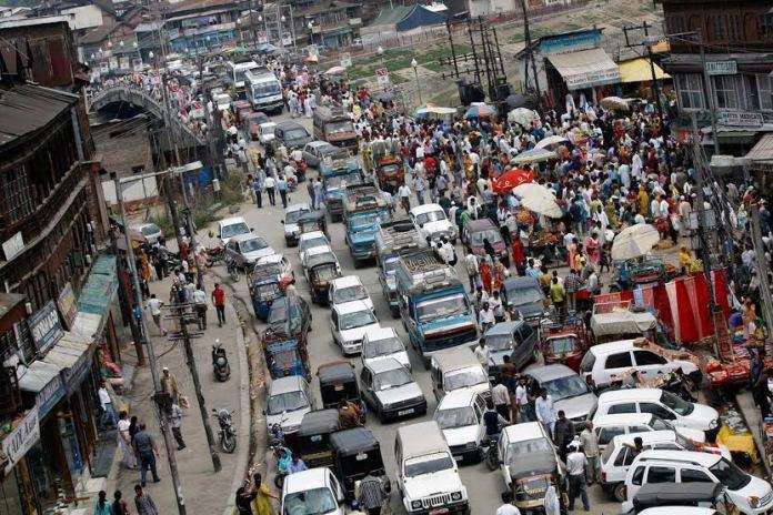 A common traffic scenario at busy Hari Singh High Street. (KL file Image: Bilal Bahadur)