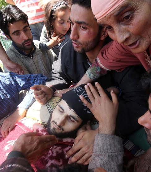 Funeral of militants killed on May 07, 2016 in Pulwama photo by Bilal Bahadur 4