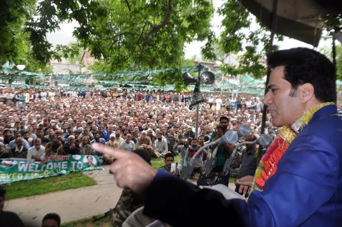 Syed Farooq Andrabi addressing a PDP rally in Shahabad Door in South Kashmir's Islamabad on May 03, 2016. (KL Image: Shah Hilal)