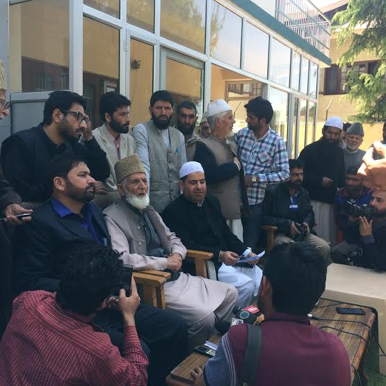 Syed Ali Geelani addressing press at his Hyderpora residence-cum-office on May 02, 2016. (KL Image: Saima Bhat)