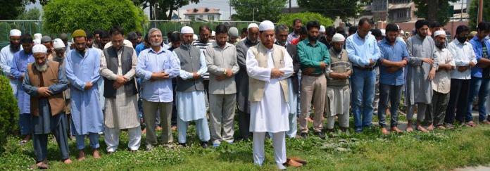 Tehreek-e-Hurriyat held a Nimaz-i-Jinazah (in absetia) on Wednesday (May 11, 2016) across Kashmir.