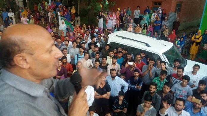 Rasheed in Islamabad on June 19, 2016