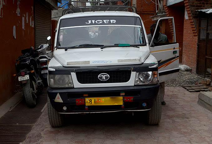 """The vehicle that carried the coaxed labourers to the press enclave Srinagar for the """"protest""""."""