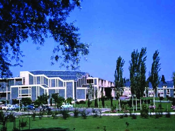 Authorities have changed rules for visiting the detained political class in sub-jail Centaur Lake View hotel Srinagar. KL Image by Bilal Bahadur