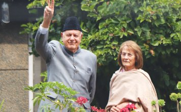 Dr Farooq Abdullah with his wife Molly Abdullah. KL Image by Bilal Bahadur