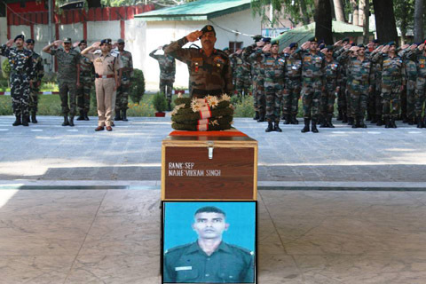 Army pay tribute to soldier killed in Kakapora militant attack