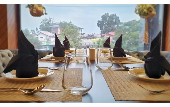Food Lovers Have a New Address in Srinagar