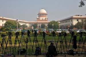 SC Reserves Verdict On Pleas Challenging Curbs In Kashmir