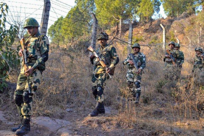 Indo-Pak Troops Trade Fire Along LoC In Uri