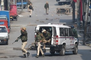 2 Militants Killed During Kidnap Bid in South Kashmir
