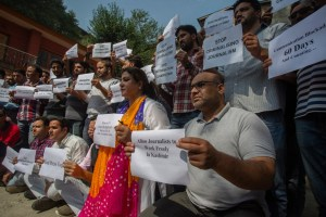 Journos Stage Silent Protest, Ask Govt To Lift Communication Gag