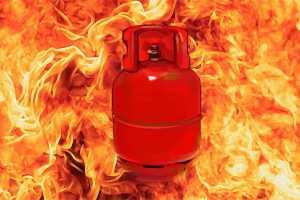 3 Injured In Gas Cylinder Blast in Srinagar