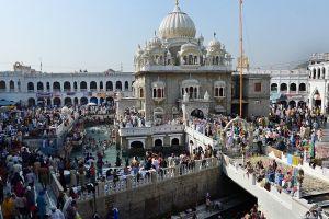 1,100 Indian Sikhs Reach Gurdwara Punja Sahib In Pak