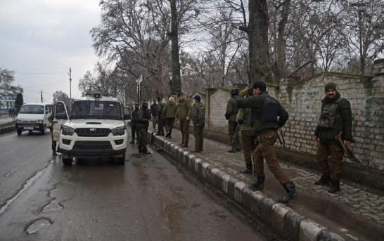 2 Civilians Injured In Habak Grenade Blast