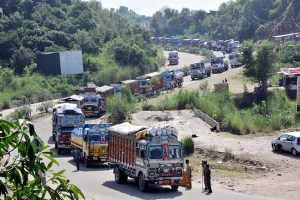 Thousands Stranded As Kashmir Highway Remains Closed For Fourth Day