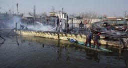 3 Houseboats Gutted In Dal Lake