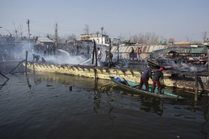3 Houseboats Gutted In Dal Lake Blaze