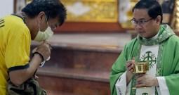 No Handshakes: Coronavirus Outbreak Spooks Asian Places Of Worship