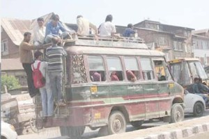 Slow Pace, Over Loading In Mini-Buses Irks Commuters In Srinagar