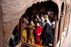 Let Women Inside Mohalla Mosques in Kashmir