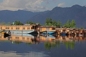 Troubled Waters of Dal Lake