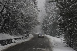 Fresh Snowfall Cuts Off Kashmir From Outside World
