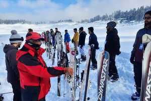 2nd Batch Of Tourism Department Sponsored Ski Course Begins In Gulmarg