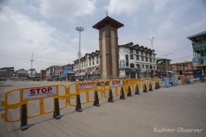 Heroics Tackling Hardships in Kashmir's Third Lockdown Year
