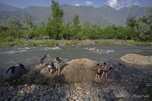 Srinagar Sizzles At 34.3 Deg Celsius, Hottest Day Of The Season