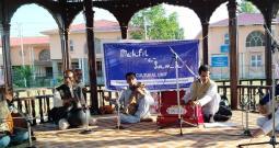 DIPR Artists MesmeriseAudiences At Kashmir Haat