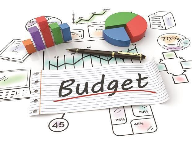 BUDGET SPLIT: Finance Commissioner discusses proposals with Administrative Secretaries