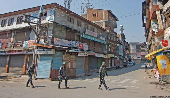 Day 68: No prayers at Srinagar's Jamia Masjid for 10th consecutive Friday