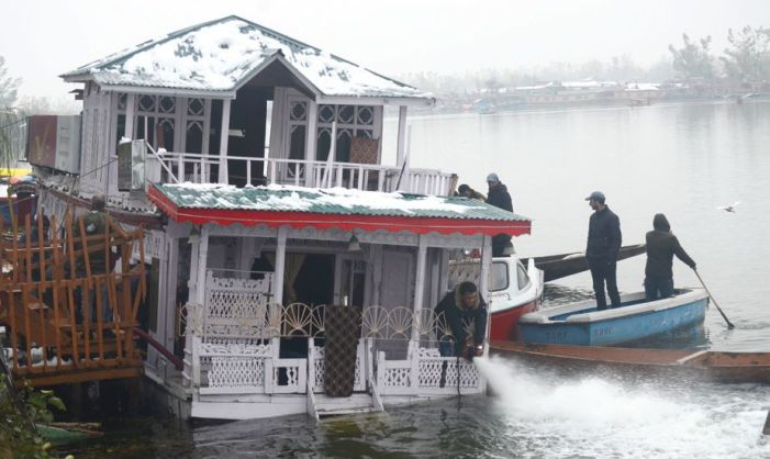 Floating Post Office at Nehru Park submerged