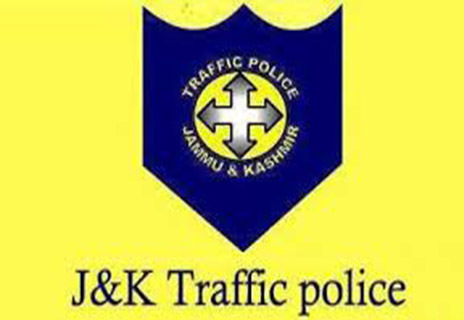 Traffic Police Srinagar educate commuters about rules