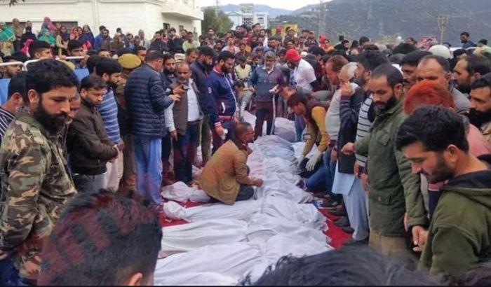 Children, women among 16 dead as vehicle falls into gorge in Doda