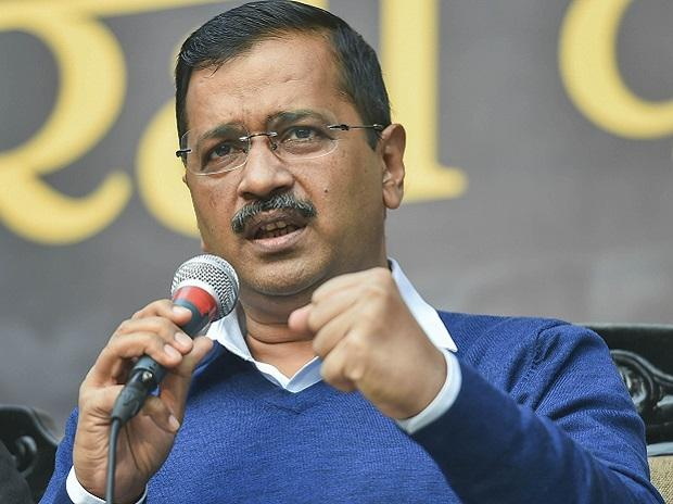 Kejriwal asks people to switch off vehicles while waiting at traffic signals to reduce air pollution