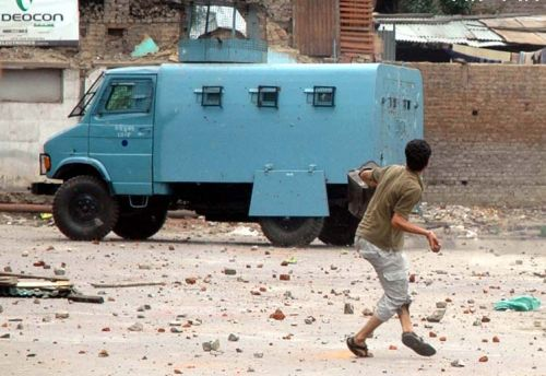 Kashmiri youth must move from violence to peace