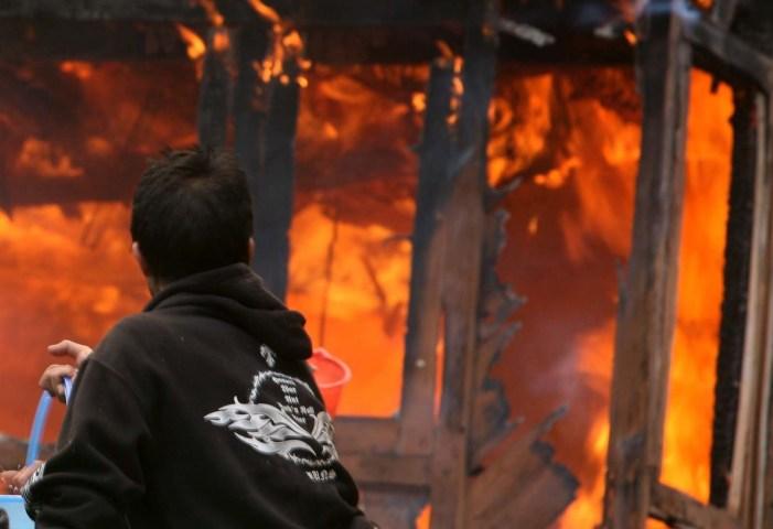 3 shops, several vending carts, gutted in Handwara blaze