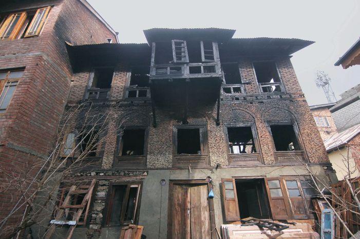 3 family members die in house blaze in Srinagar