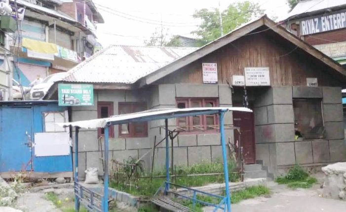 Closed public washrooms in Shopian town add to public woes