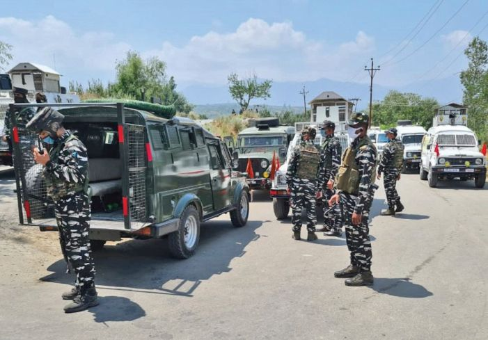 2 CRPF men, SPO, 3 militants killed in Kreeri gun battle,