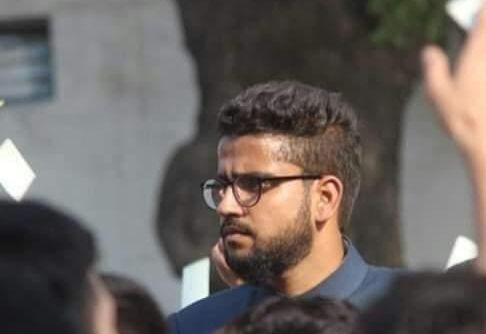 AMU student union leader dies